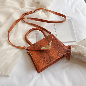 Image 5 - [BXX] حقيبة كتف واحدة للنساء حقيبة كروس مطابقة للكل 2020 حقيبة محمولة على شكل ثعبان للنساء حقيبة يد عتيقة حزمة HF206
