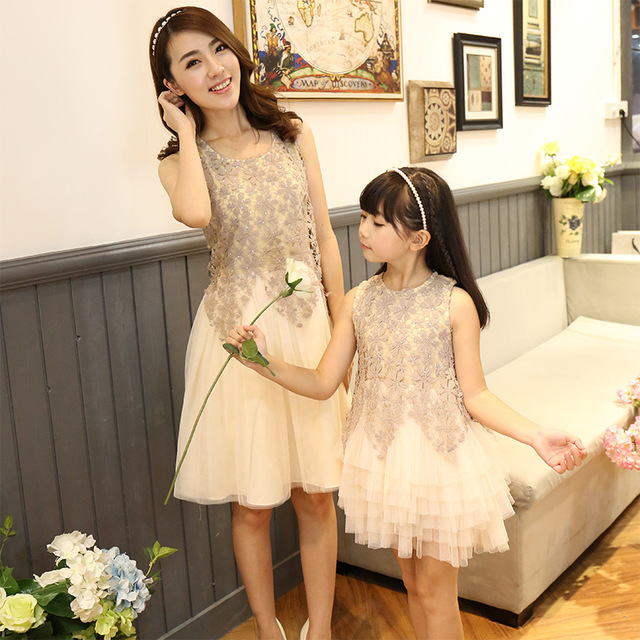 Family clothing New fashion Brand mother daughter ball gown dresses  matching family look mom and daughter lace party mesh dress 78100a28e6ca