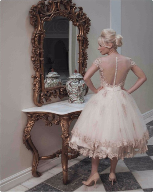 Boutique Lace Appliques Champagne Wedding Dresses 2019 Fashion Short Sleeve Bradal Gowns With Tea Length Vearidos De Mariage 1