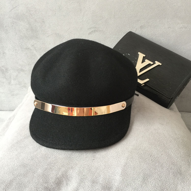 The new ms han edition of metal ring belt splicing octagonal cap hat woollen hat Europe and the United States baseball cap men hat europe and the united states fashion leather simple autumn and winter wild baseball cap out fashion hot sale
