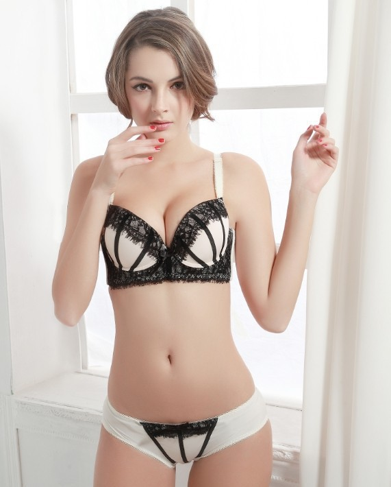 Womens New Fashion Cotton Lace Lovely Girls Underwear Deep V And Gather Sexy Charming Bras Good Quality Free Shipping In Bra Brief Sets From Underwear