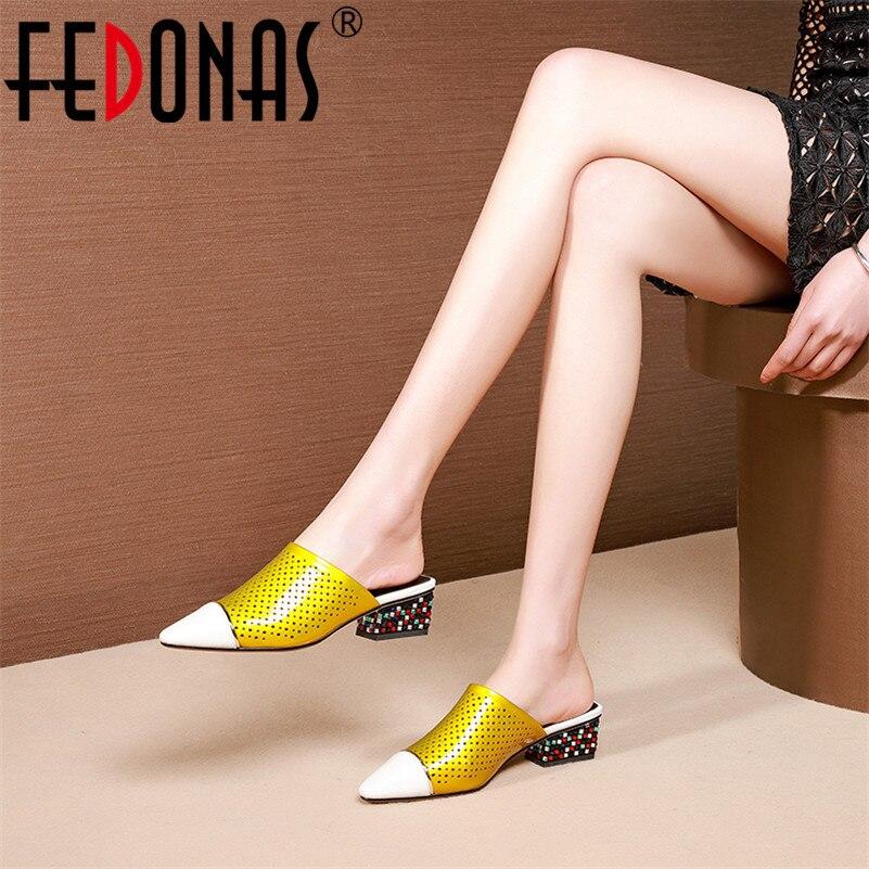 Ayakk.'ten Kadın Pompaları'de FEDONAS Moda Tatlı Karışık Renkler Kadın Pompaları Vintage Katır 2019 Hakiki Deri Yüksek Topuklu rahat ayakkabılar Kadın Gece Kulübü Ayakkabı'da  Grup 1