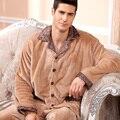 2016 modernos hombres de moda de invierno mantener el calor Anti frío polar de Coral pijamas de Sleepcoat & Bottoms casuales adultos ropa de dormir en casa