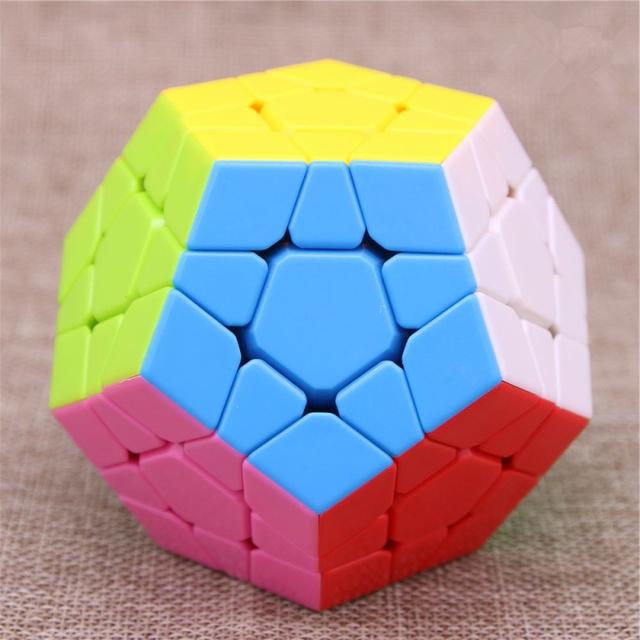 Cinco juegos de color sólido en forma de cubos de forma especial dodecahedron especiales para niños juguetes educativos