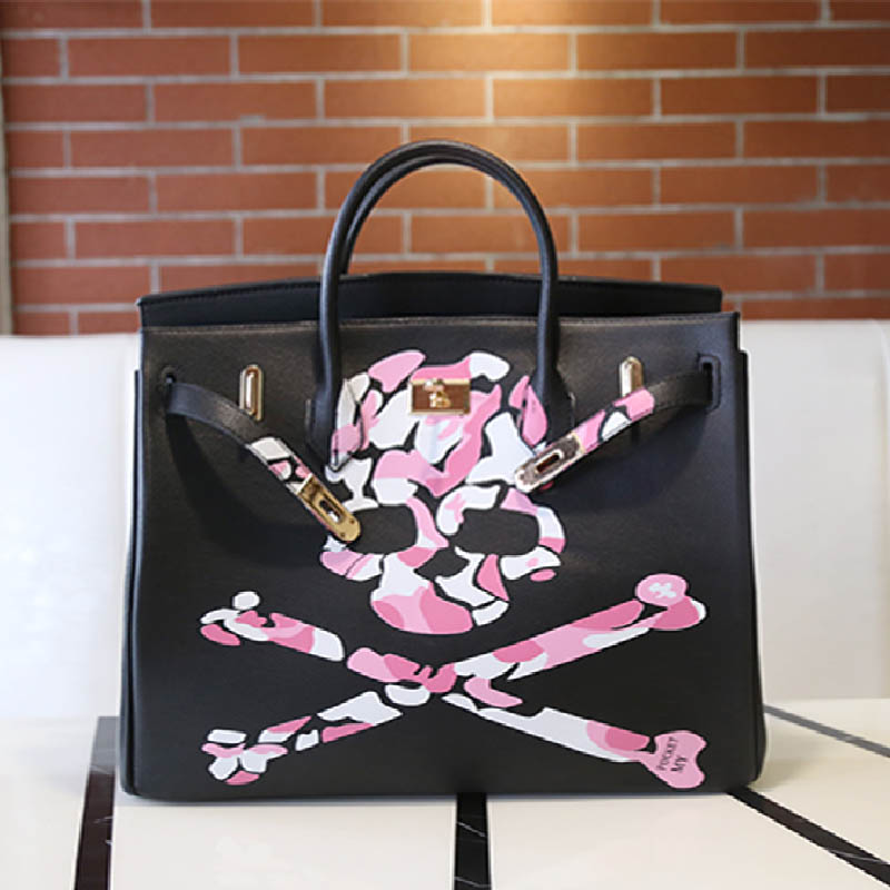 40CM Big Bag Printed Graffiti Skull Women Bags High Quality Black Genuine Leather Messenger Bag Togo Leather Casual Totes Y art hand printed bags for women 2018 100% genuine leather top handle bags high capacity vintage casual totes togo leather bag y