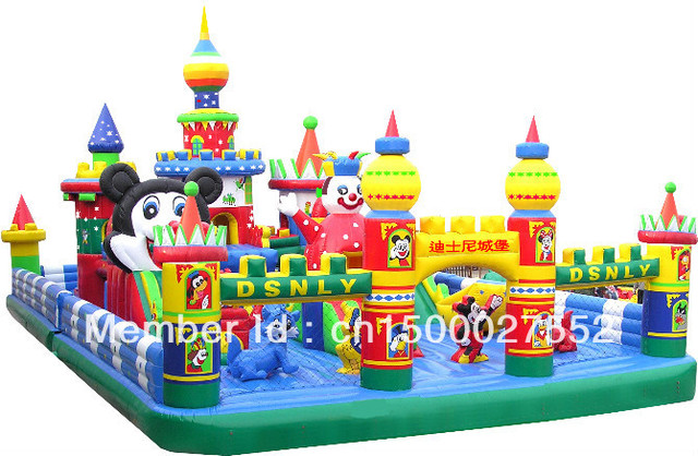 Large inflatable trampoline / inflatable castle / inflatable jumping bed / inflatable toys