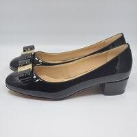 Vrouwen schoenen Lederen Vierkante hak Designer Schoenen Vrouw Merk boog Valentijn schoenen sapatos de salto alto. da005