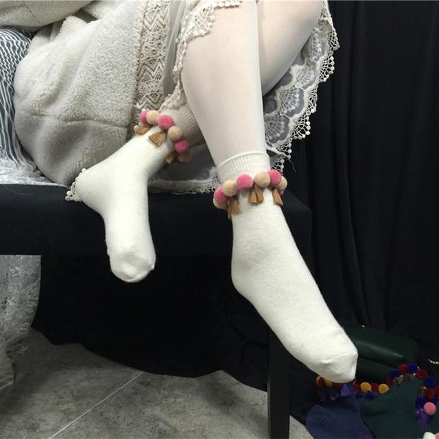 Princesa meias lolita doce coréia do cabelo cor do bulbo grão borla doce quente meias de cashmere DW24