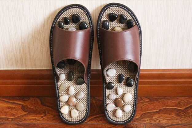 Massage Slippers Foot Care shoes women,Pebble Stone Foot Massage Slippers Reflexology Feet Elderly Acupuncture Healthy Shoes
