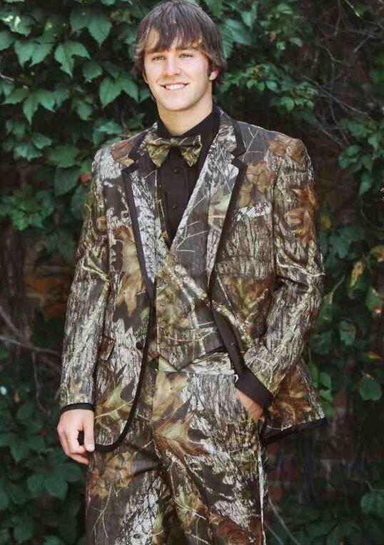great deals on fashion choose clearance finest selection US $126.99  Realtree Camo Wedding Tuxedos Farm Wedding Camouflage Suit  Custom Made Slim Fit Mens Blazers Fashion Groom Wear(Jacket+Pant+Vest-in  Suits ...