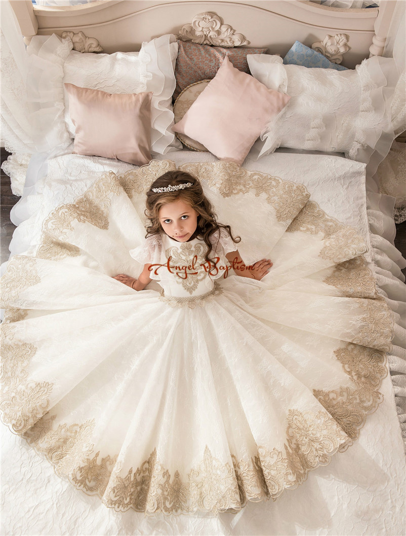 2018 New Lovely Princess Baby Girl Flower Girls' Dresses Sheer lace Crew Neck Appliques Formal Girl's Pageant Dresses 2018 new princess mint and white flower girls dresses sheer crew neck appliques bead formal girl s pageant dresses with train