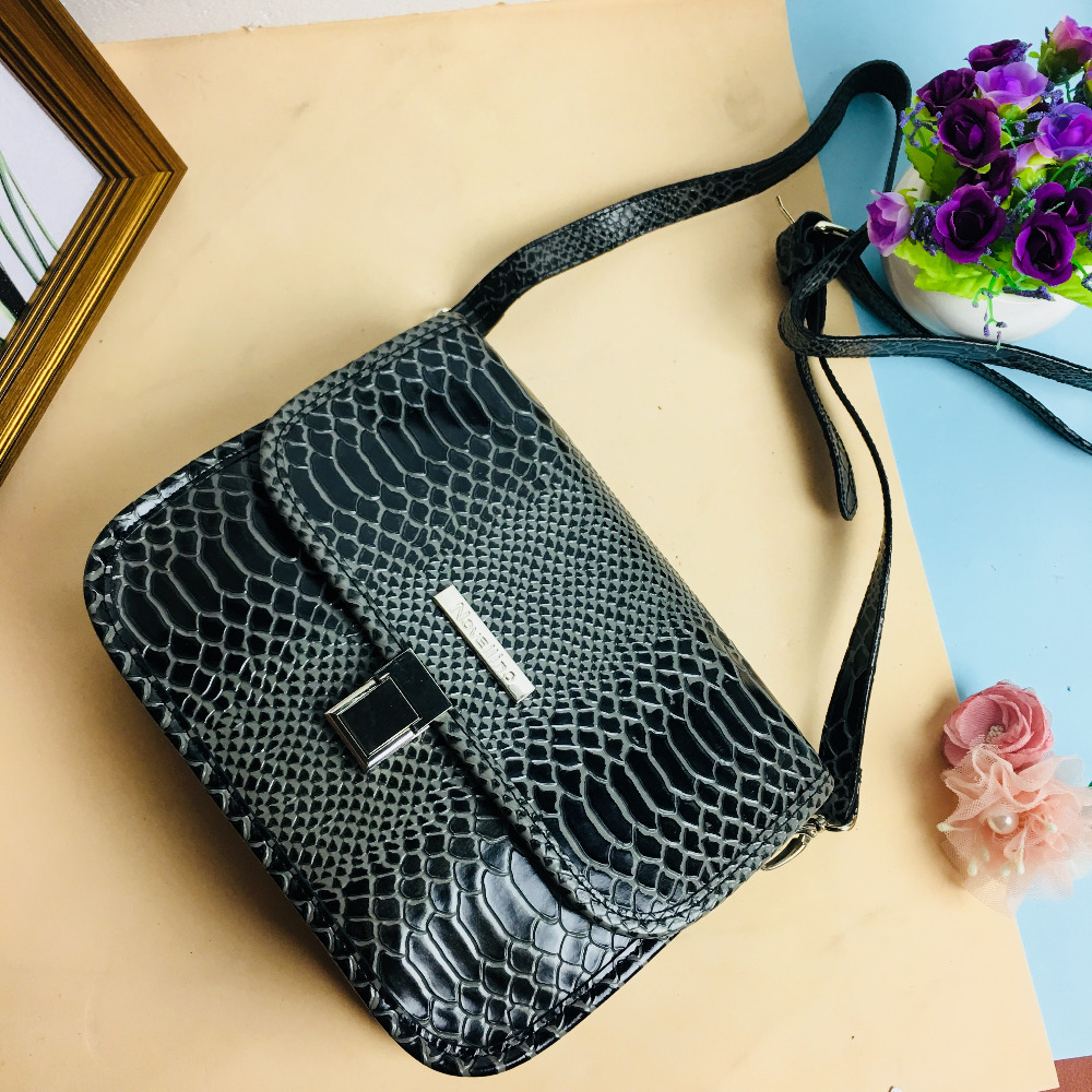 Crocodile Serpentine Pattern Black Genuine Leather Bags Women Handbag With Metal Logo bolsa feminina shop online Hard handbags