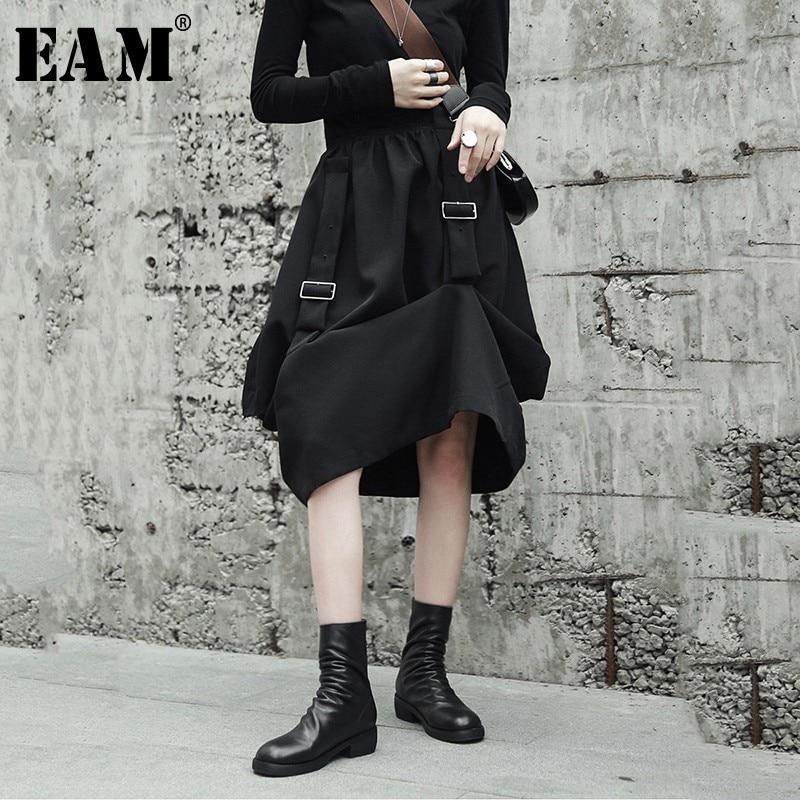 [EAM] 2019 New Spring High Elastic Waist Black Buckle Loose Irregular Fold Stitch Half-body Skirt Women Fashion JH420