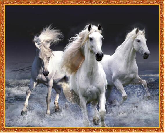 10df72027390 Diamante pintura animal diamante bordado tres caballos de cristal pintura  de la casa decoración pared pegatina LXY100