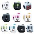 11 colores Fidget antiestrés Cubo Mágico Cubo de juguete de escritorio de vinilo Fidget Cubo anti irritabilidad juguete Divertido regalo de Navidad