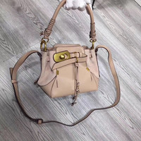 2018 new bucket bag tassel bag shoulder portable diagonal bag lock buckle bag wild
