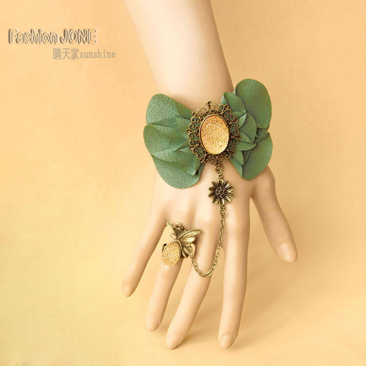 Womens New Handmade Butterfly Bow Tie Green Flower Adjustable Ring to Wrist Bracelet Rhinestone Slave Set