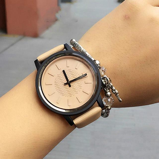 New Arrive Super Cool Women Fashion Quartz Watch Classic Simple Style Leather Wa