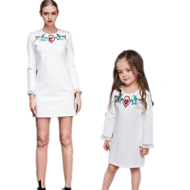2018 Family Look Matching Clothes Mother Daughter Dresses Hand-made Pearls Flowers Embroidered Slim Dress Mom and Daughter Dress family look girls princess dress 2017 family matching clothes mom and daughter flowers lace dress mother daughter dresses