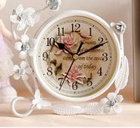 Beauty European Style Vintage Mute Table Desk Clock Iron Creative Home Decoration With Flower Vine Best Gift For Children Girl