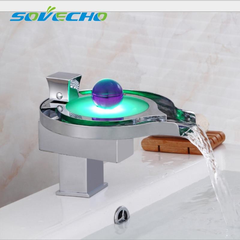 Светодиодный кран светодиодный Ванная комната бассейна кран латунь хром закончил светодиодный краны водопад воды Мощность бассейна свето...