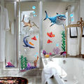 2016 Novo Sob O Fundo Do Mar Adesivo de Parede NEMO Peixe Tubarão 3D Dos Desenhos Animados Nursery Kids Room Vinil Decalques Removíveis Adesivos de Parede Do Banheiro À Prova D' Água