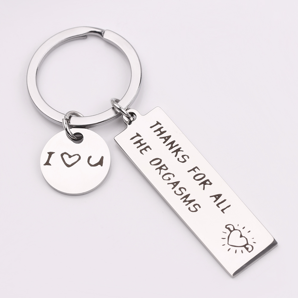 ALL YOU NEED IS LOVE KEYRING LLAVERO