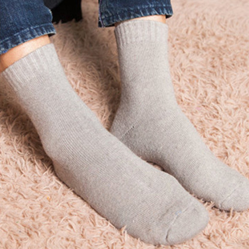 3266a2344e Fashion Solid Vintage Harajuku Thickening Man Business Wool Hair Circle  Keep Warm Men Funny Socks Cotton Male Socks Dress Autumn-in Men's Socks  from ...