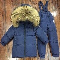 Детей енота меховым воротником куртки + брюки 2 Pc/Sets Дети вниз комплекты одежды для мальчиков и девочек теплые лыжные комплекты водонепрониц