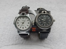 ร้อนแบบชาร์จดูเบาบุหรี่อิเล็กทรอนิกส์ค่าใช้จ่ายยูเอสบีเบาFlamelessซิการ์นาฬิกาข้อมือเบาของขวัญธุรกิจ
