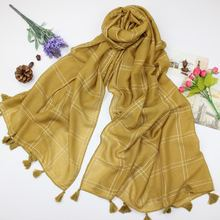 d5e8a2327284 Nouveau Mode Confortable Coton Lin Femmes Écharpe de Haute Qualité Plaid  Solide Couleur Châle Femelle Chaud