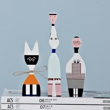 Купить с кэшбэком Fashion Modern Abstract Wooden Crafts Decorations Kids Gift Baby Toys Home Decorative Simple Art Model 3 Pieces People Figurines