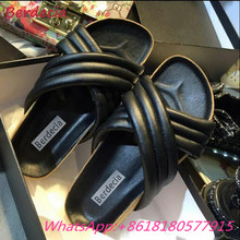 Flat Slides Beach Shoes Outside Thick Bottom Woman Slippers Summer Comfortable Round Toe Sapato Feminino Cool Black Woman Shoes