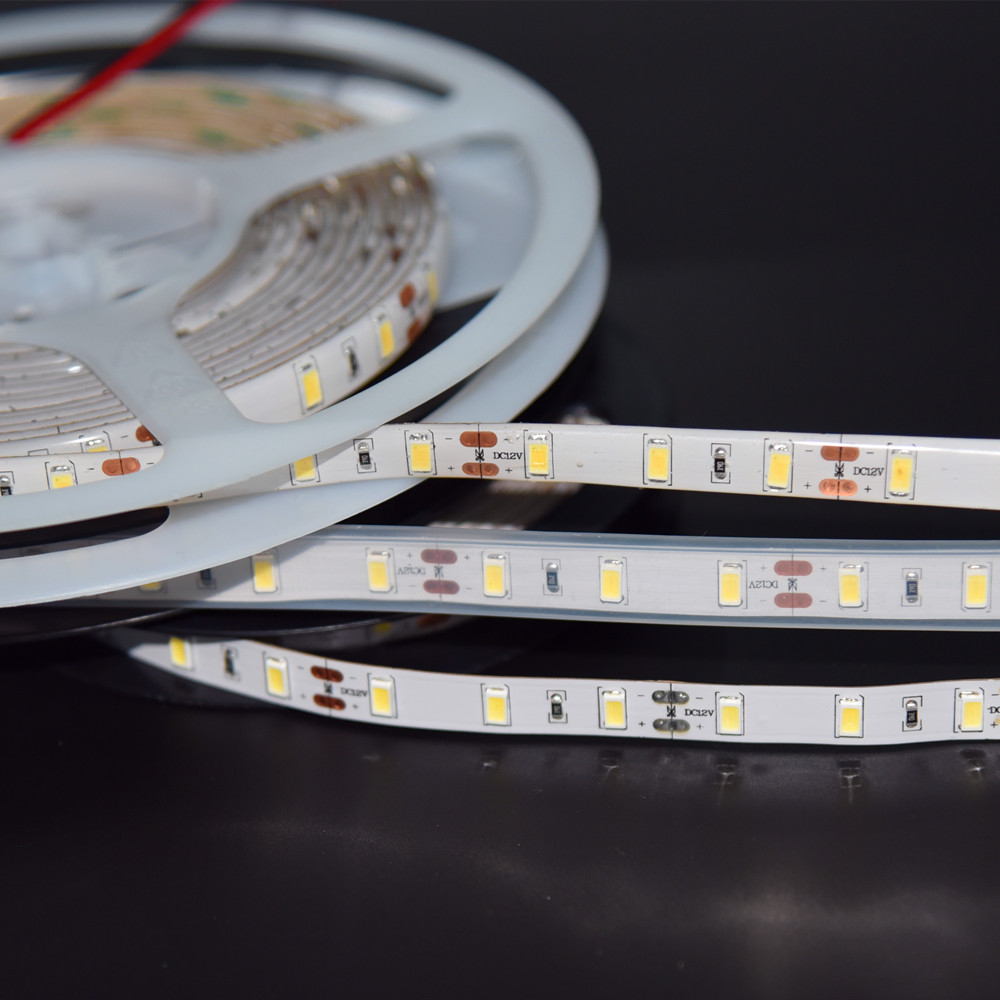 Koreai kiváló minőségű 5m 60leds / m IP67 vízálló LED 12V - LED Világítás