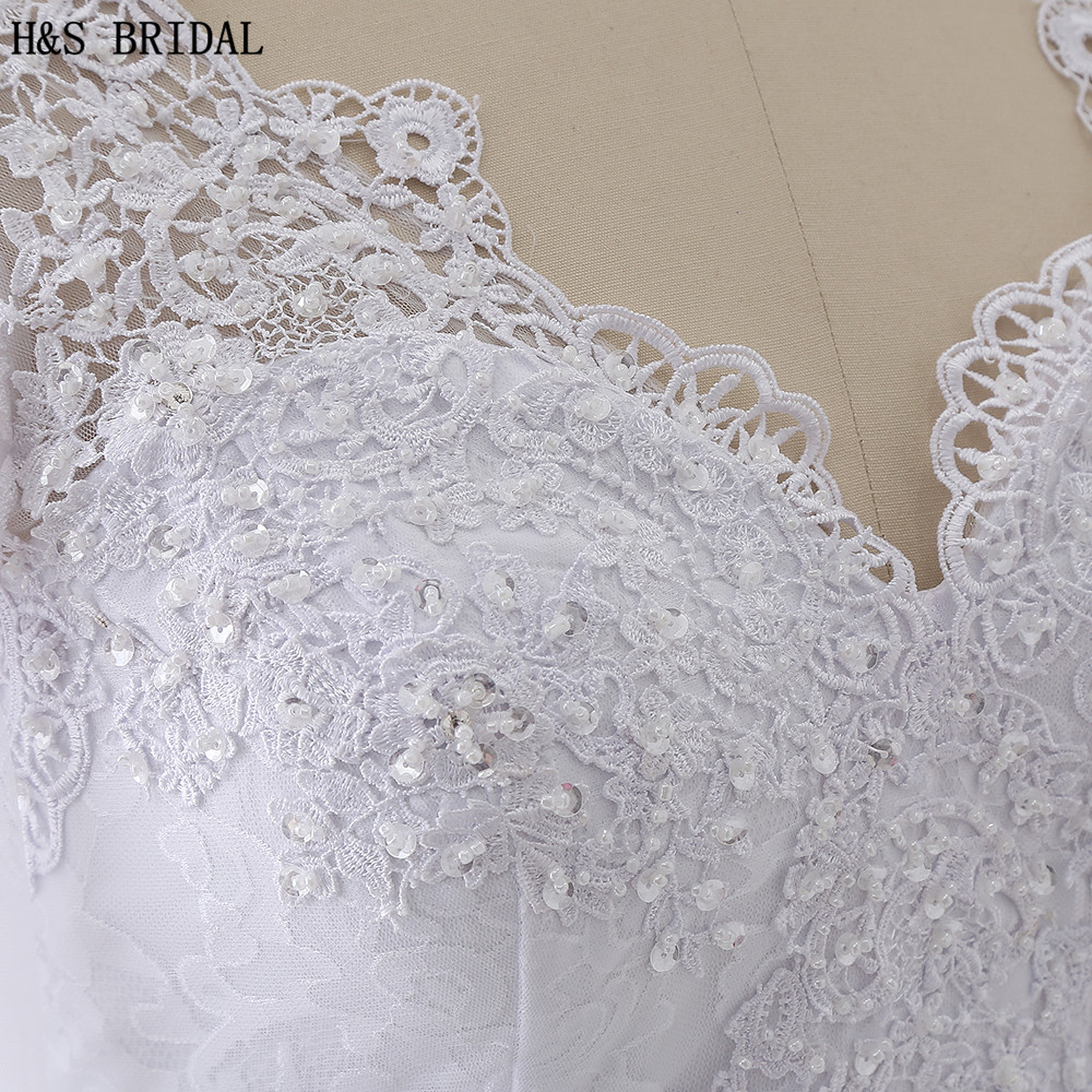 Купить с кэшбэком H&S BRIDAL Long Sleeve Lace Wedding Dress 2020 Beaded Wedding Dresses Turkey V Neck Mermaid Wedding Dresses Vestido De Noiva