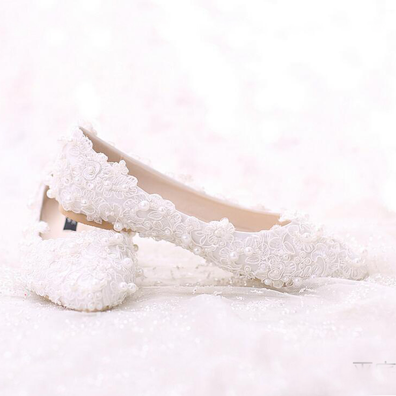 Sweet Lace Bridal Shoes Bouquet Wedding Party Dress Shoes 2018 Latest  Beautiful Women Shoes Flat Heel White Pearl shoes-in Women s Flats from  Shoes on ... c6b30d6c563b