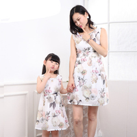 Summer Family Matching Mom Daughter Dresses for Girls 2019 Family Gown Clothing Floral Dresses Clothes Mom Girls Fashion Dress