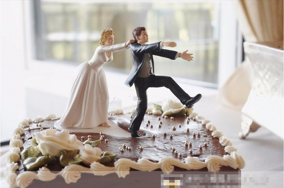 """New """"Come Back"""" running away Bride and Groom Funny Wedding Cake Topper  Personalised Toppers Event Party Supplies Marriage"""
