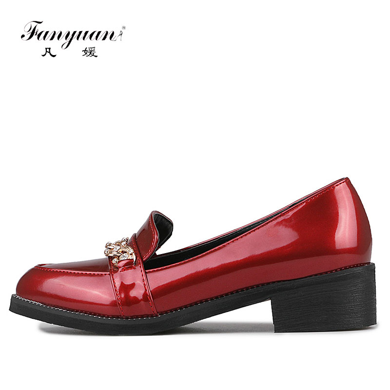 Fanyuan Spring Mental Slip On Patent Leather Flat Women Shoes European Style Crystal Loafers Pointed Toe Flat Zapatos Mujer fanyuan casual women ladies flat candy 6 color patent leather flat shoes women pointed toe flat free shipping plus size 30 49