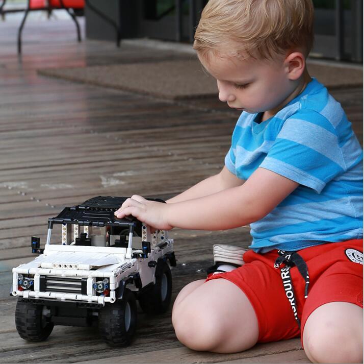 533 stücke Technik Series RC Racing Auto Bausteine SUV Modell Ziegel Spielzeug Elektrische Motor Power Funktion Bluding Blöcke Ziegel-in Sperren aus Spielzeug und Hobbys bei  Gruppe 3