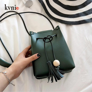 Mini Drawstring Flap Bag in Women's Crossbody Bag PU Leather Shoulder Sling Bags Ladies Green Wood beads Tassel Messenger Bags
