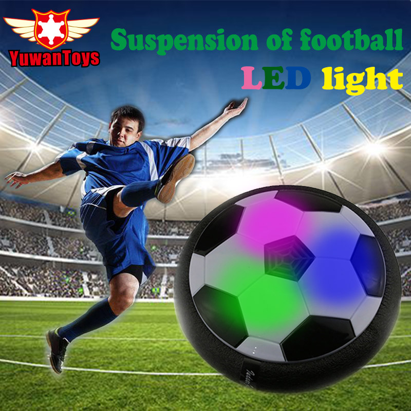 Caliente divertido LED luz intermitente llegada aire de pelota de fútbol de juguete caja Multi-superficie flotando deslizamiento juguete