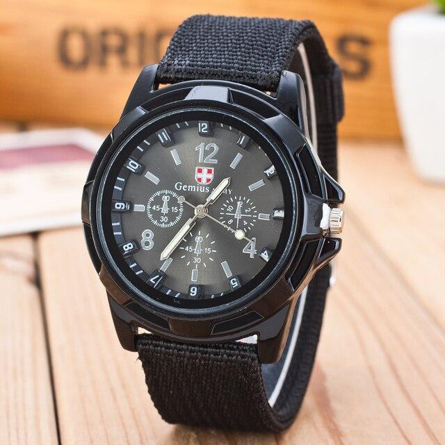 ccf8019fd335 2019 nuevo de marca famosa para hombres reloj de cuarzo soldado del  ejército militar lona Correa