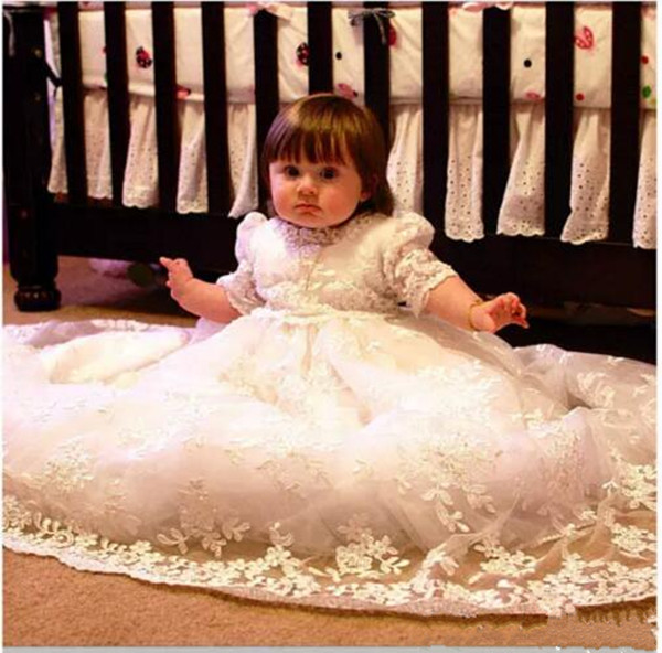 цена  Baby Girls Christening Gown White/Ivory Lace Pearls Appliques Half Sleeves Cotton Lining Baptism Gown Robe With Bonnet 2017 New  онлайн в 2017 году