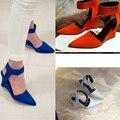 Sandálias de Cunha mulheres 2017 Da Marca de Moda Tornozelo Apontou Bombas Dedo Do Pé Sexy Sandálias De Salto Alto Preto Azul Mulheres Sapatos Zapatos Gancho loop