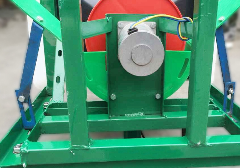 Direct tractor front fertilizer manure spreader electric for Fish pond fertilization