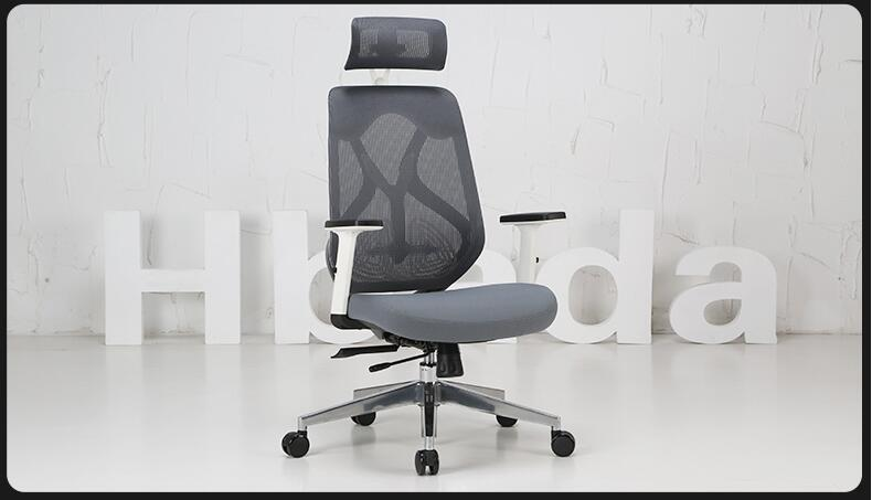Boss chair. Leather back massage chair. . Computer chair.. the boss chair is real leather the home can be massaged leather big class chair seat computer chair
