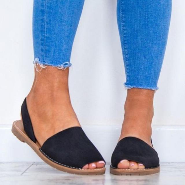 2018 جديد المرأة Summe بلون صندل مسطح حذاء مسطح الباردة الأسماك الفم أحذية ضمادة الصنادل