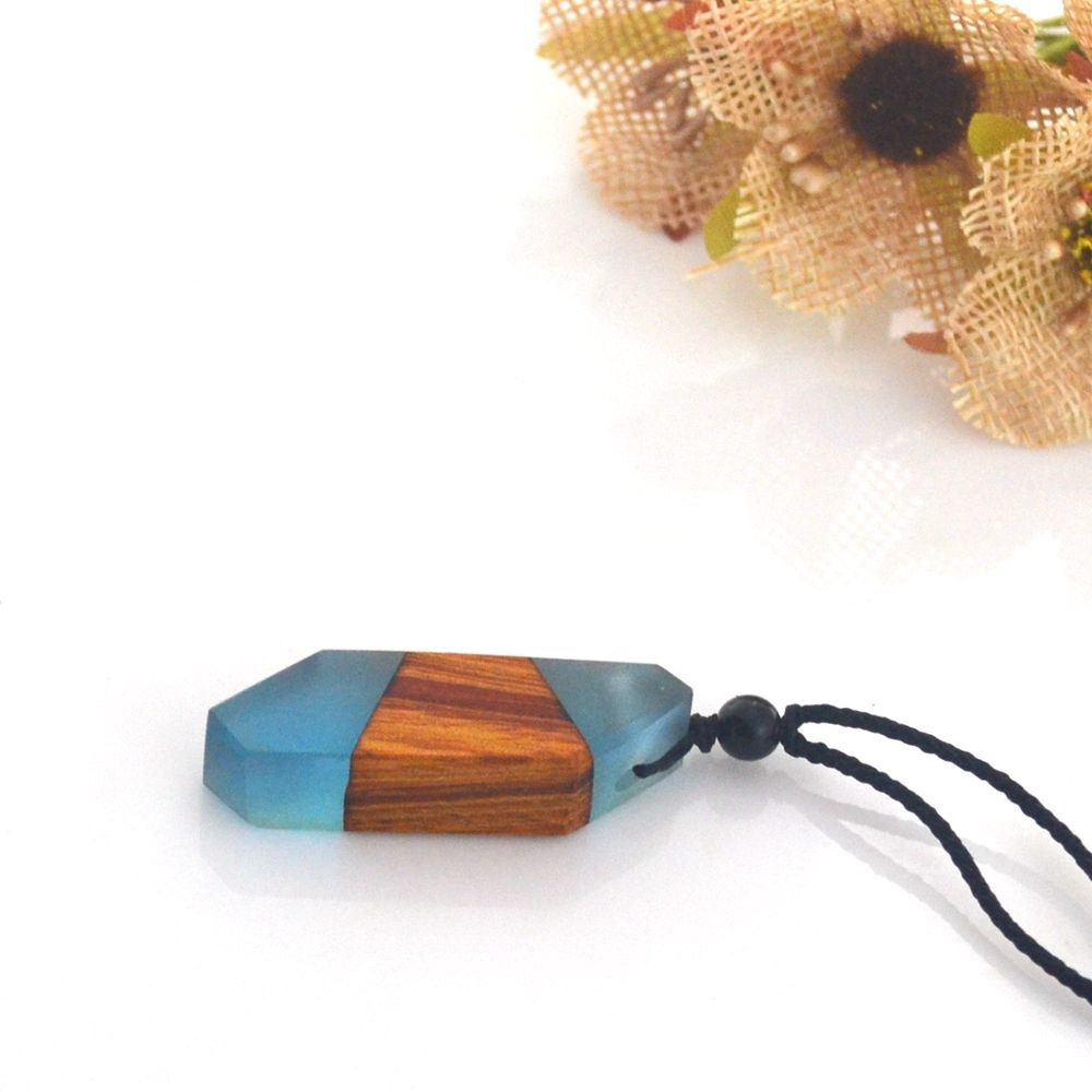 Special Gift, Antique Wood Resin Pendant MenS Jewelry Special-Shaped Fashion Necklace