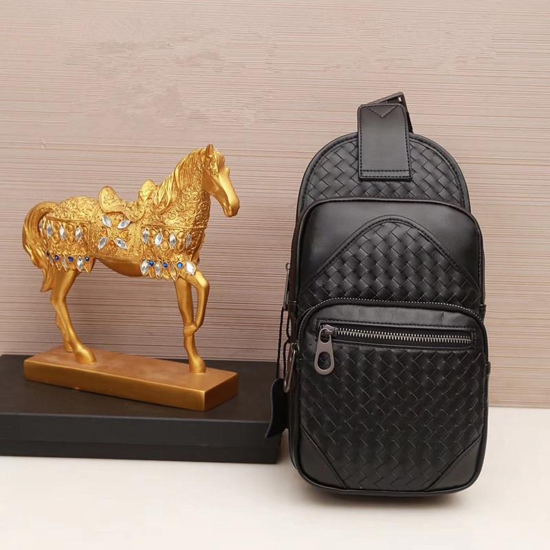 Kaisiludi 革編組メンズバッグ男性の胸ラップ牛革ファッションシングルショルダーバッグ斜めスパンバッグ  グループ上の スーツケース & バッグ からの ウエストポーチ の中 1